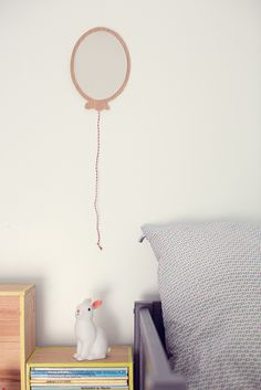 Kids room - Balloon mirror - April Eleven