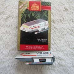 This is a 1992  Hallmark Keepsake Ornament SHUTTLECRAFT GALILEO with voice and sound.      Condition Pre-owned; Comes in the box.  Box shows minor wear.   0980 Enterprise Ncc 1701, Hallmark Keepsake Ornaments, Hallmark Christmas, Box, Products, Boxes, Gadget