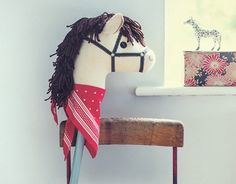 A step-by-step guide (with a template to download) on how to make a hobby horse for your kids or grandchildren