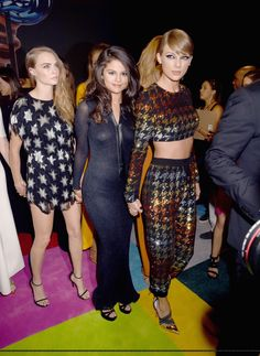 Taylor Swift, Selena Gomez and Cara Delevingne at the MTV Video Music Awards - August 30, 2015.