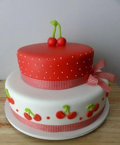 Red and white cake with cherry accents. Gorgeous Cakes, Pretty Cakes, Cute Cakes, Yummy Cakes, Amazing Cakes, Cake Icing, Fondant Cakes, Eat Cake, Cherry Cake
