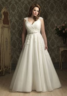 Cheap plus size wedding, Buy Quality bridal gown directly from China wedding bridal gowns Suppliers: Real Photos Sexy Ivory Plus Size Wedding Dresses Beaded Lace Women Wedding Dress Plus Size Beautiful Wedding Bridal Gowns Plus Size Wedding Gowns, Wedding Dress Styles, Wedding Attire, Designer Wedding Dresses, Plus Size Dresses, Bridal Dresses, Bridesmaid Dresses, Dress Prom, Prom Dresses