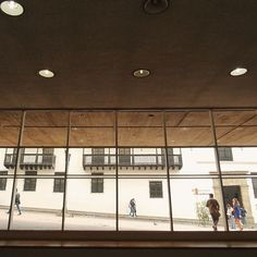 Геометрия улиц ⛅ La geometría de las calles   #Colombia  #bogota #travel #southamerica #vsco #vscocolombia #vscocam  #discoversouthamerica #explore #loves_Colombia #loves_bogota #ig_bogota #ig_Colombia #igersbogota #yoamobogota  (at Centro Cultural Gabriel García Márquez)