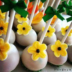 Fall elegant cake pops sunflower Elegant Cake Pops, Elegant Cakes, Fall Cake Pops, Fall Cakes, Baking, Desserts, Food, Deserts, Autumn Cake
