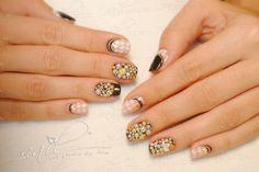nails manicure  trend stones jewellery nude foil