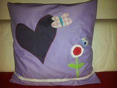 Ein lila Kissen zum #Muttertag hat Carolin genäht #stofffürmutti