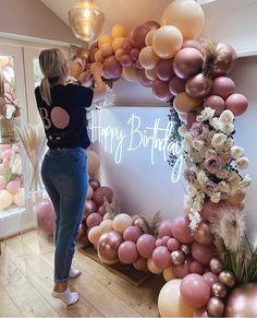 Colorful Birthday Party, 13th Birthday Parties, Pink Birthday, Birthday Party Themes, Balloon Garland, Balloon Decorations, Birthday Decorations, 50th Birthday Balloons, Deco Ballon