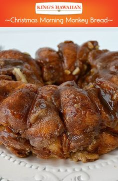 Christmas Morning Monkey Bread with King's Hawaiian rolls Christmas Morning Breakfast, Christmas Brunch, Christmas Baking, Xmas, Breakfast Dishes, Breakfast Time, Breakfast Recipes, Hawaiian Sweet Rolls, Delicious Desserts