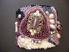 ❥ Renaissance beaded embroidery cuff bracelet