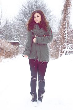 Paula from MY FASHION BLOG in the Ripped Stud Skinny Jeans