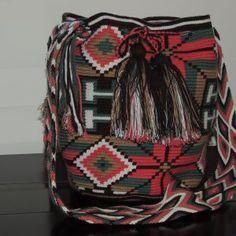 Beautiful handmade bags - mochilas wayuu Diaper Bag, Backpacks, Crochet, Beautiful, Fashion, Tejidos, Blue Prints, Crocheting, Fashion Styles