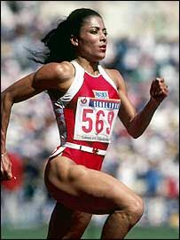 """""""Olympic Trials Throwback: In 1988 in good ol' Indianapolis, Indiana, Florence Griffith Joyner, Flo Jo, set both the and the former being the current American Record. Flo Jo, American Athletes, Female Athletes, Women Athletes, Florence Griffith Joyner, Yoga Fitness, Yohan Blake, Jackie Joyner Kersee, Fitness Women"""