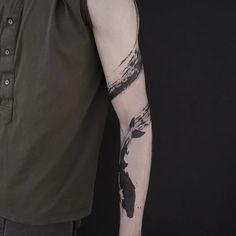 Black Band Tattoo, Black Snake Tattoo, Arm Band Tattoo, Black Tattoos, Dream Tattoos, Body Art Tattoos, Sleeve Tattoos, Brush Stroke Tattoo, Loyalty Tattoo