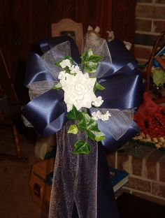 10 NAVY WHITE Rose Pew Bows Wedding Decorations by superbuy4j, $50.00