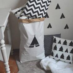 Paper bag storage sac papier rangement tipi noir et blanc décoration chambre enfant tipi indien