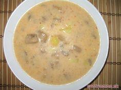 Jemná hlivová polievka so zemiakmi a smotanou.