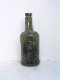 Antiques Free-blown French Antique Dark Green Glass Bottle Products Hot Sale Glass