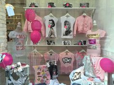 #FedericaPanicucci Federica Panicucci: Think Pink! @lets_bubble #store #milano #corsoventiduemarzo25 www.letsbubbleonline.com