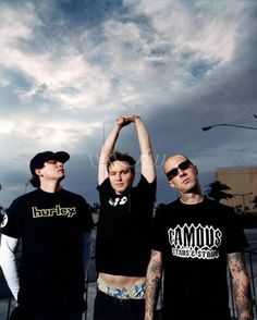 they are so hot! Much Music, Dope Music, Tom Delonge, Travis Barker, Blink 182, Pop Punk, You Look Like, Just Kidding, Green Day