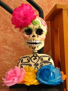 modern mexico...nice Halloween Dia De los Muertos decor