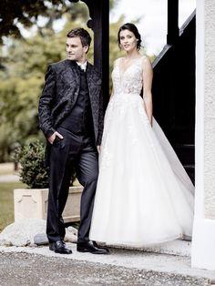 Sexy Brautkleid - lang geschnittenes Brokat Sakko Brokat, Lace Wedding, Wedding Dresses, Elegant, One Shoulder Wedding Dress, Inspiration, Fashion, Wedding Dress Lace, Dirndl