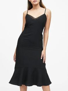 How many dresses you have in your closet? Now, look at them. Weekend Wear, Fishtail, Flare Skirt, Sheath Dress, Fashion News, Ladies Fashion, Casual Dresses, Banana Republic