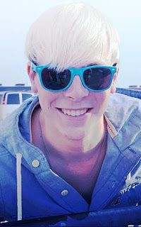 All about R5: Riker Lynch