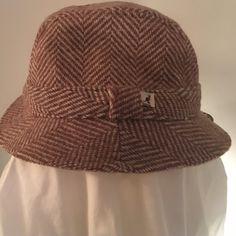 Kangol Herringbone Hat Brand New!! Classic Kangol fedora in a cream and beige herringbone pattern. Size Large. Never worn. Gorgeous! Kangol Accessories Hats
