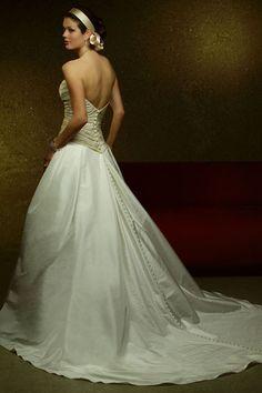 New Pleated Princess Wedding Dress Wallpaper