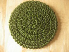 http://dianasfibermeditations.blogspot.ca/2009/01/cd-coaster-pattern-and-finished-project.html