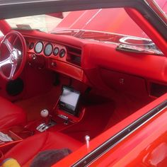 72 chevelle bonspeed sweep wheels atlanta candy orange paint fesler door panels modern classic interior MCI custom interior orange console @74snug1981