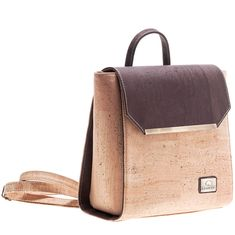Rucksack «Golden Brown» aus Kork von Montado – Vegane Mode online Mode Online, Leather Backpack, Fashion Backpack, Backpacks, Bags, Outfits, Vegan Fashion, Personal Style, Fanny Pack