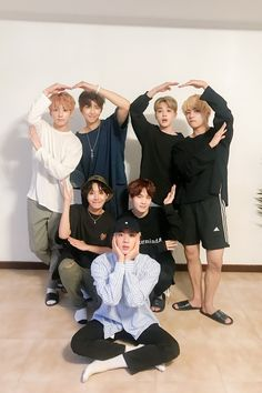 Image discovered by 女性. Find images and videos about kpop, bts and jungkook on We Heart It - the app to get lost in what you love. Bts Boys, Bts Bangtan Boy, Bts Taehyung, Bts Jungkook, Jung Hoseok, Kim Namjoon, Seokjin, K Pop, Rap Monster