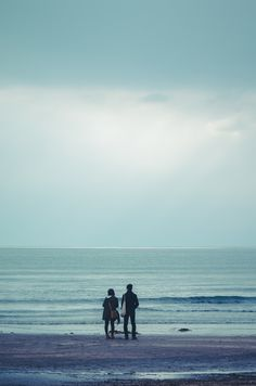Sea of cloudy day Japanese Photography, Art Photography, Cloudy Day, Wallpaper Backgrounds, Wallpapers, Photo Booth, Vacation, Mountains, Beach