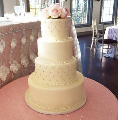 A quilted wedding cake dream. Almost too lovely to eat
