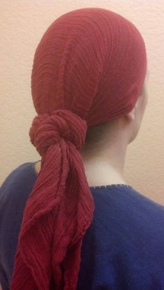 Great blog post on Viking age head coverings and hair styling.