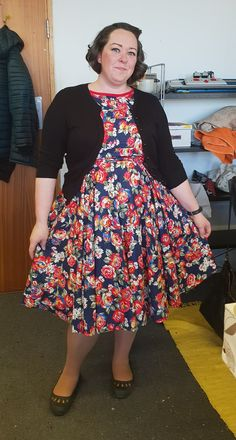 Fabulous 1950s style dress with bias binding detail - fits just perfectly! Not bad for the first dress ever made! Well done!  6 Week Dressmaking Class  #FloralFabric #SewingClassesEdinburgh #1950s #sewingclass #dressmaking