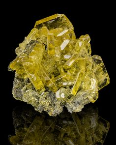 Yellow Barite. Barite helps link one to ones highest purpose and higher self.  It acts as a magnet to high frequency energy, and activates and clears blockages in the upper chakras.  Barite assists one in recognising where one must let go and allow change in order for evolution to occur.  It facilitates memory and information retention and generally supports brain health.