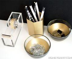 Nifty DIY Desk Organizer Ideas To Keep You Productive Schreib und Papierwar Spray Paint Projects, Diy Spray Paint, Spray Painting, Desk Organization Diy, Diy Desk, Organising, Nifty Diy, Clever Diy, Gold Diy