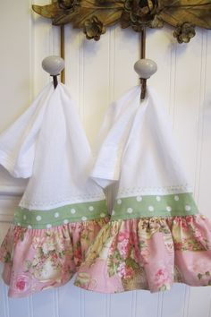Ruffled Kitchen Hand Towel Set