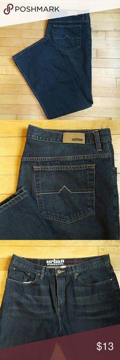 Like new! URBAN PIPELINE JEANS 36/32 Dark wash men's jeans from Urban Pipeline. Size 36/32. Only worn a few times! Relaxed bootcut fit. Urban Pipeline Jeans Relaxed