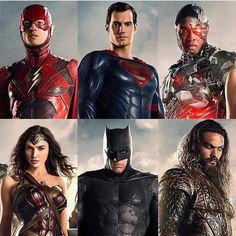 #justiceleague! our #socialmedia if full of happiness! #dccomics #superman #batman #cyborg #wonderwoman #theflash #aquaman