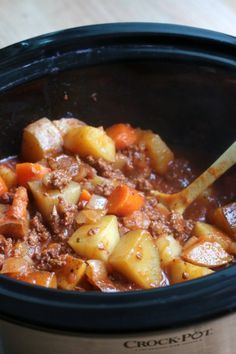 Poor Man's Stew {Slow Cooker} This stew feeds 5 people and only cost me $6.24! Add corn and green beans.