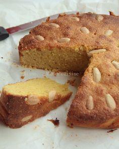 Pour les passionnés d'amandes, comme moi, ce gâteau est une pure merveille. Il existe de nombreuses versions à base de pâte d'amande, à base de noix et bien d'autres. Moi j'ai fait confiance à Edda la gourmande et j'ai suivie sa recette à la lettre. Sans...