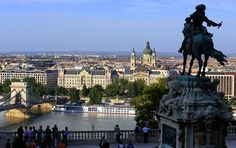 Budapest, látkép a Budai Várból Capital Of Hungary, Budapest, Statue Of Liberty, Christianity, Paris Skyline, Spa, Europe, Landscape, Architecture