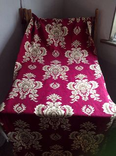Red Yellow French Damask Fabric/ Upholstery & Furnishings/ Home Decor Projects by BrocanteArt on Etsy Curtain Patterns, Textile Patterns, Damask Decor, Patches, French Fabric, Linen Fabric, Vintage Sewing, Upholstery, Inspiration