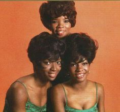 Betty Kelly of Martha and the Vandellas turns 71 today - she was born in R&b Artists, Music Artists, Famous Black People, Woman Singing, Soul Singers, 60s Music, Neo Soul, Famous Singers, Music Pictures