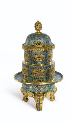 A PAIR OF MASSIVE CLOISONNÉ INCENSE BURNERS AND COVERS QING DYNASTY, QIANLONG PERIOD