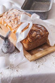 TVAROHOVÝ MAZANEC Z FORMY - Inspirace od decoDoma Sponge Cake, Camembert Cheese, Pudding, Yummy Food, Easter, Treats, Sweet, Food Ideas, Sweet Like Candy
