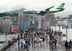Kowloon Walled City, Kai Tak Airport, Jet Privé, Hong Kong People, Las Vegas Airport, Hongkong, Cathay Pacific, Belle Villa, Commercial Aircraft